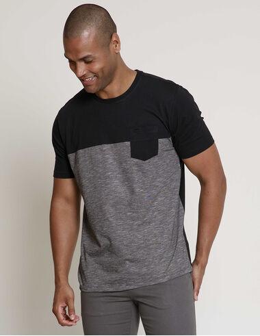 imagem de T-Shirt Recorte 2 Textures Preto